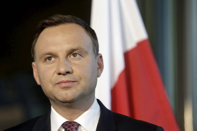 Polish pres tells Poles stay in Britain, don't come home