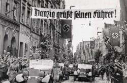 Hitler emerges in Gdańsk