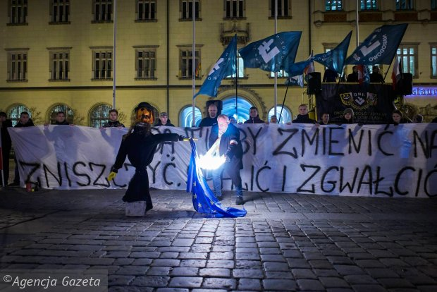 Polish police challenged over inaction on nationalist Jew-burning