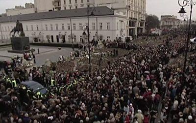Polish govt commemorates Smoleńsk plane crash victims